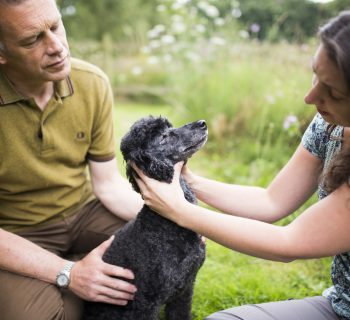 chris-packham-vet-sarah-bignell-and-itchy